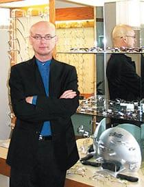 Dr. Ronald Strohan